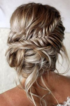 Sweet Girls: 57 schöne Boho-Frisuren – Coachella Festival Frisuren 2019 – # … – frisuren, You can collect images you discovered organize them, add your own ideas to your collections and share with other people. Braided Hairstyles For Wedding, Braided Updo, Low Updo, Braid Updo Messy, French Braid Updo, Curly Ponytail, Trending Hairstyles, Boho Hairstyles, Festival Hairstyles
