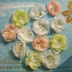 Tutorial for chiffon flowers Paper Flowers Craft, Flower Crafts, Diy Flowers, Fabric Flowers, Paper Crafts, Diy Crafts, Embroidery Flowers Pattern, Ribbon Embroidery, Flower Patterns