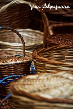 Detalle de las cesterías de mimbre. Vive Alpujarra