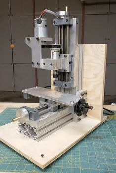 Benchtop Micro Milling Machine : 7 Steps (with Pictures) - Instructables Benchtop Milling Machine, Small Milling Machine, Cnc Machine, Machine Tools, Diy Cnc Router, Cnc Lathe, Cnc Woodworking, Micro Lathe, Homemade Machine