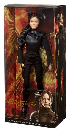 Check out the Barbie® The Hunger Games: Mockingjay—Part 2 Katniss Doll at the official Barbie website. Explore all Barbie dolls and accessories now! The Hunger Games, Hunger Games Mockingjay, Mockingjay Part 2, Hunger Games Catching Fire, Hunger Games Trilogy, Jennifer Lawrence, Juegos Del Ambre, The Walk Dead, Katniss Everdeen
