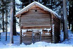 Old log barn.  Two floors.  Laukaa, Valkola, Finland