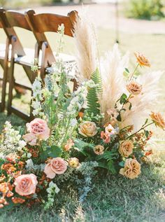 This outdoor wedding in Austin, Texas is #GORG. With pampas grass and rose floral installations at the ceremony, a tented reception with rattan peacock chairs, terracotta florals and chinoiserie plates, we are swooning over every detail!