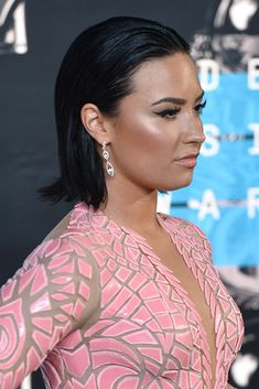 Carpets & Candids: Demi Lovato's wet hair and blush dress at 2015 ...