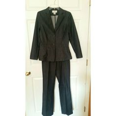 Black pant suit Beautifully tailored pant suit Hennes Collection  Other