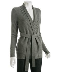 Get Jessica Alba s Scarf and Sweater! - TheGloss Belted Cardigan 5f5c857e3