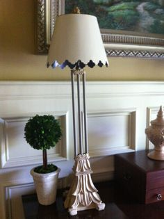 lamp and picture frame Coco and Old Ocher Chalk Paint