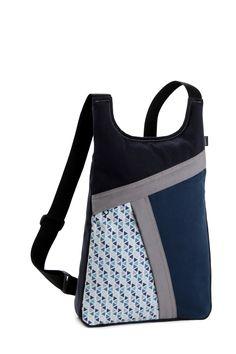 Blog catálogo de los bolsos, mochilas y riñoneras de la marca k1000 Mochila Tutorial, Retail Bags, Crochet Sheep, Diy Backpack, Denim Ideas, Diy Purse, Craft Bags, Denim Bag, Handmade Bags