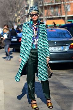 38c499606b0f5a Perfect Mixed Print Outfits to Dress Like a Fashion Pro (14)