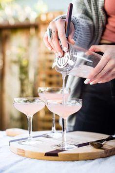 Grapefruit Cocktail, Grapefruit Juice, Cocktail Drinks, Refreshing Cocktails, Craft Cocktails, Summer Drinks, Cocktail Recipes, Elderberry Cocktail, Bar Pics