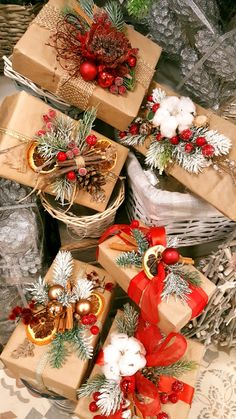 Creative Gift Wrapping, Wrapping Ideas, Christmas Gift Wrapping, Diy Christmas Gifts, Christmas Crafts, Christmas Decorations, Theme Noel, Noel Christmas, Magical Christmas