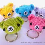 How sweet are these Amigurumi Teddy Bear Keychains and they're all FREE Crochet Patterns! All you need is a crochet hook, small amounts of leftover yarn, a bit of fiberfill, a darning needle, and a key chain and ring. They'll make a lovely gift. Chat Crochet, Crochet Diy, All Free Crochet, Crochet Crafts, Crochet Dolls, Crochet Projects, Kawaii Crochet, Crochet Ideas, Crochet Keychain Pattern