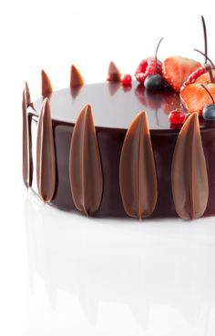 Find images and videos about sweet, chocolate and dessert on We Heart It - the app to get lost in what you love. Death By Chocolate, I Love Chocolate, Chocolate Art, Chocolate Lovers, Chocolate Desserts, Fancy Desserts, Fancy Cakes, Cake Cookies, Cupcake Cakes