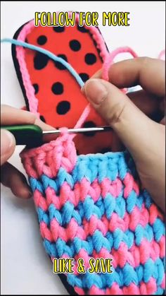 crochet video tutorial - easy crocheting projects Crotchet Patterns For Beginners, Quick Crochet Patterns, Crochet Shoes Pattern, Beginner Crochet Projects, Crochet Basics, Knitting Patterns, Diy Crochet Slippers, Easy Crochet Socks, Simple Crochet