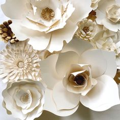 Paper Flower Wall Decor, large paper flower backdrop, paper flowers in cream and gold Large Paper Flowers, Paper Flowers Wedding, Paper Flower Wall, Paper Flower Backdrop, Giant Paper Flowers, Flower Wall Decor, Diy Flowers, Fabric Flowers, White Paper Flowers