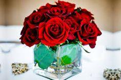 Resultado de imagen para centros de mesa con rosas para boda