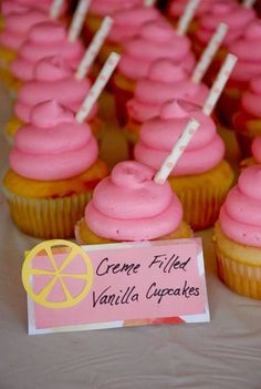 You'll get your summer fix with this lemonade stand birthday party featured at Kara's Party Ideas. All of the little details just make this party! Pink Lemonade Cake, Strawberry Lemonade, Party Treats, Party Cakes, Spa Birthday Parties, Spa Party, Summer Party Themes, Ideas Party, Fun Baking Recipes