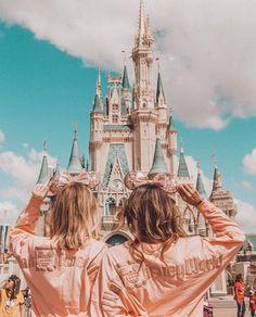 disney discovered by 🍥🐰MιssCαһ🐰🍥 on We Heart It - ✰pinterest✰ @ haayven La mejor imagen sobre healthy snacks pa - Cute Disney Pictures, Disney World Pictures, Cute Friend Pictures, Photos Bff, Best Friend Photos, Best Friend Goals, Bff Pics, Friend Pics, Disney World Fotos