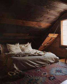 Just a few hours north of Manhattan this rustic Hudson Valley cabin makes for the perfect weekend escape. Snuggle the day away by the wood burning stove stroll the woodsy backyard or indulge in a famous sticky bun from Tivoli Bread and Baking. (After licking the final traces of icing off your fingertips another nap is probably in order.)  Photo: @forestbound - via Airbnb on #Instagram : Amazing #Travel Destinations - International #Holiday Tips - Dream #Vacations - Exotic Tropical Tourist…