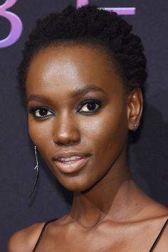We have taken some beauty tips from Victoria's Secret models: