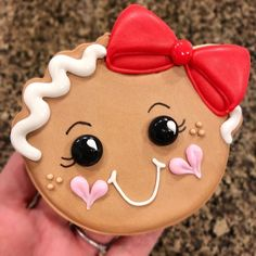 This Gingerbread Girl cookie is still my one of my favorite xmas cookies! Christmas Sugar Cookies, Christmas Cupcakes, Christmas Sweets, Christmas Gingerbread, Noel Christmas, Holiday Cookies, Gingerbread Cookies, Gingerbread Crafts, Thanksgiving Cookies