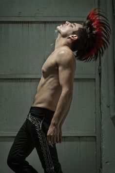 mohawk Mohawks, Punk Mohawk, Punk Guys, Male Witch, Billie Joe Armstrong, Hair A, Male Hair, Hair Inspiration, Doodle Inspiration