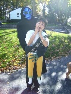 Homemade Alien Abduction Halloween Costume: Many years ago I saw this homemade alien abduction Halloween costume in a Newsday article.  A woman made it for her son and won a few contests with it.