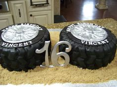 Tire Cakes I made these tire cakes for my nephews birthday. He's getting a jeep so I thought tires would be appropriate. Boys 16th Birthday Cake, Birthday Cakes For Teens, Teen Birthday, Cakes For Boys, Birthday Cupcakes, Birthday Ideas, Birthday Parties, Birthday Stuff, Birthday Wishes