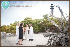 The Sanibel Island lighthouse is the perfect backdrop for an intimate wedding ceremony.