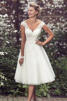 Discount Tulle Tea-length Cap Sleeve A-line Appliques Straps Tea Length Wedding Dresses