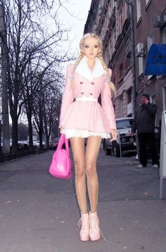 Living barbie doll. Valeria Lukyanove. #amatue