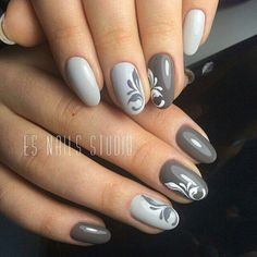 Grey and white nails with a delicate filigree design. Nail art on grey nails Fabulous Nails, Gorgeous Nails, Nail Art For Beginners, Gray Nails, Black Nails, Trendy Nail Art, Manicure E Pedicure, Pedicure Ideas, Super Nails