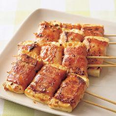 ベーコンさえあればなんとかなるさ! 豆腐1丁がメインおかずに変身する「豆腐のベーコン巻き串」 - レタスクラブニュース