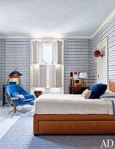 Stephen Sills ~ child's room - Saarinen womb chair and ottoman are from Design Within Reach, the bed was designed by Sills, and the rug is by Beauvais. Apartment Renovation, Apartment Design, Architectural Digest, New York City Apartment, Kids Bedroom, Kids Rooms, Lego Bedroom, Room Kids, Boy Rooms