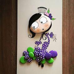bambolina con sassi