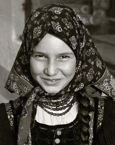 Csak egy mosoly (Szék, Mezőség – Analóg fotó 1977-79 körül, digitalizálva) © Fotó: Nemes Zoltán 'mettor'