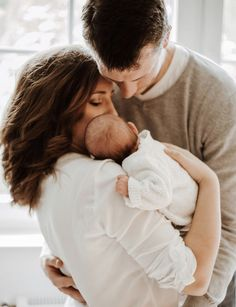 Fantastic baby arrival information are offered on our internet site. Take a look and you wont be sorry you did. Foto Newborn, Newborn Shoot, Newborn Pictures, Baby Pictures, Foto Baby, Fantastic Baby, Baby Arrival, Lifestyle Newborn, Pregnant Mom