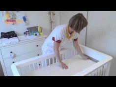De Kraamvogel - het opmaken van een baby bedje - YouTube