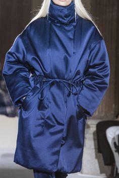 Salvatore Ferragamo Fall 2019 Ready-to-Wear Fashion Show - Vogue Fall Winter, Autumn, Wedding With Kids, Down Parka, Salvatore Ferragamo, Mantel, Milan, Winter Outfits, Fashion Show