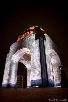 Monumento a la Revolución   Mexico City, MEXICO.   (by Reskiebak, via Flickr)