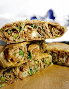 Asian Meat Pies--I have this huge craving for meat pies for some reason. Here's one with an Asian flare to it Empanadas, Quesadillas, Pie Recipes, Cooking Recipes, Curry Recipes, Asian Recipes, Ethnic Recipes, Oriental Recipes, Chinese Recipes