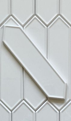 Art Deco Tiles, Art Deco Bathroom, White Bathroom Tiles, Bathroom Floor Tiles, Kitchen Tile, Kitchen Shelves, Wall Tiles, Kitchen Decor, White Herringbone Tile
