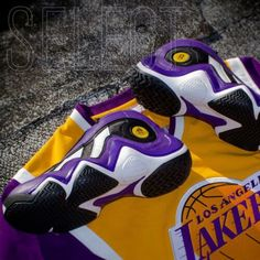 90s Sneakers, Classic Sneakers, 90s Shoes, Latest Jordan Shoes, Best Hoodies For Men, Air Jordan, Air Force One Shoes, Swag Outfits Men, Fashion Outfits