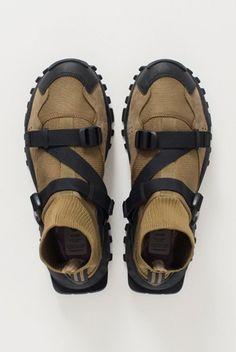 Behind The Scenes By conceptkicks Men's Shoes, Shoe Boots, Dress Shoes, Shoe Bag, Kingsman, Moda Formal, Grace Jones, Tag Heuer, Nike Free Shoes