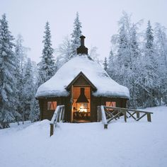Ylläs Finding the perfect Finnish cabin to warm up from the winter cold...✨❄️✨❄️✨