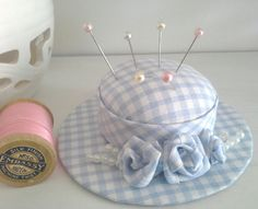 Gingham hat pincushion with rolled roses and pearls. Handmade with fabric scraps. Fabric Roses, Floral Fabric, Gingham Fabric, Hemp Fabric, Fabric Scraps, Easy Sewing Projects, Sewing Crafts, Fabric Cutting Table, Ribbon Embroidery Tutorial