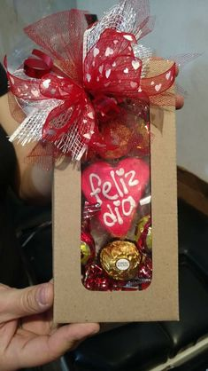 Learn how to make romantic Valentines gifts for your husband that he'll absolutely love - candy bouquets! You can buy all the supplies you need at your local dollar store for these awesome presents Valentines Day Baskets, Valentine Gifts For Husband, Valentines Gifts For Boyfriend, Birthday Gifts For Sister, Valentines Diy, Boyfriend Gifts, Valentine Day Gifts, Boyfriend Ideas, Boyfriend Birthday