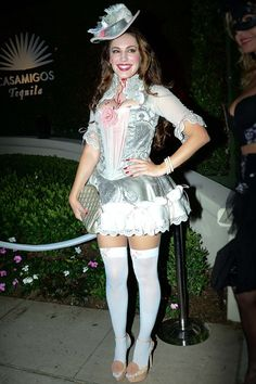 There's nothing quite like a Marie Antoinette costume to really get the ball rolling at Halloween, and Kelly Brook's attempt at this much-copied look is a most excellent effort   ♦ℬїт¢ℌαℓї¢їøυ﹩♦