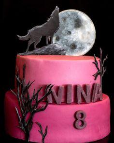 wolf cake Birthday Cake With Photo, Birthday Cake Girls, Birthday Cupcakes, Teen Cakes, Cakes For Boys, Girl Cakes, Wolf Cake, Teen Wolf, Tiger Cake