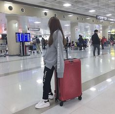 Fashion Tips What To Wear fashion and ulzzang.Fashion Tips What To Wear fashion and ulzzang Ulzzang Korean Girl, Ulzzang Couple, Korean Girl Fashion, Ulzzang Fashion, Trendy Outfits, Girl Outfits, Fashion Outfits, Ootd Fashion, Streetwear Fashion